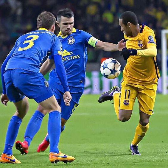 . @neymarjr Bate Borisov x FC Barcelona (0-2, Rakitić x2) ⚽️ 20/10/2015