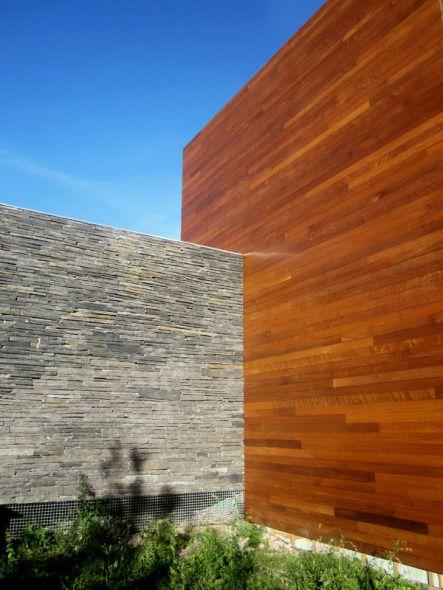 Vivienda de piedra y madera