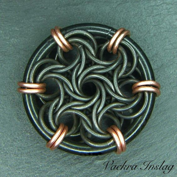beautiful moorish rose pendant