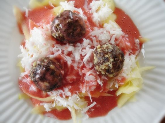 "This is dessert ... Froodles (fruit/noodles) and ""meat""balls ... on Raw on $ 10 a Day (or Less!)"