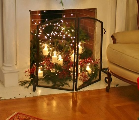 HOLIDAY DECOR IN A HISTORIC HOME