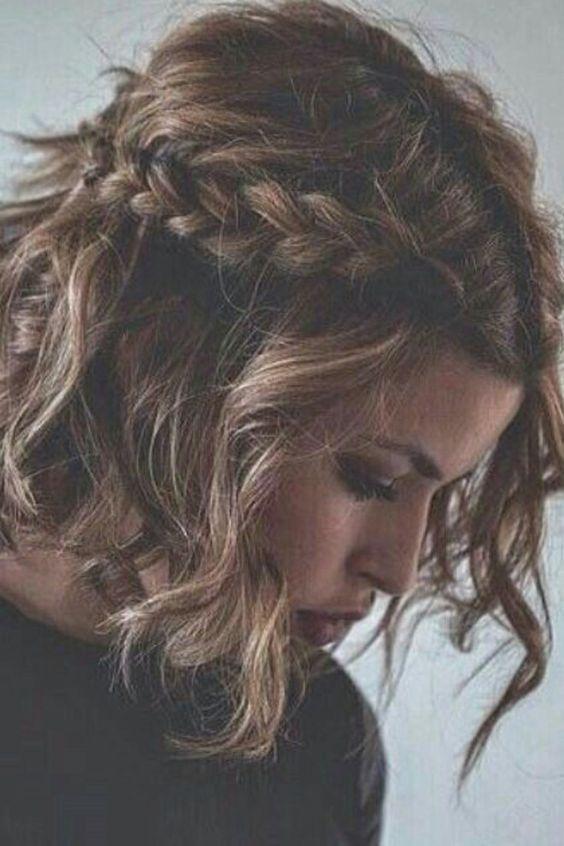 Coiffure mariage cheveux mi-longs tressée
