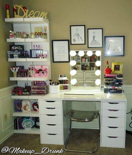 El rincón de maquillaje con escritorio y estantería #Organización #Ikea #Blanco…