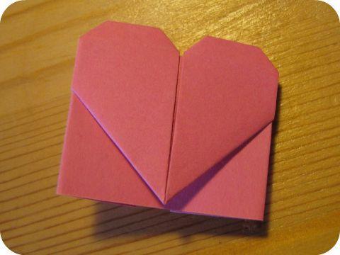 ganz schnell und einfach kann man diese niedlichen origami herzen falten die sich prima als. Black Bedroom Furniture Sets. Home Design Ideas