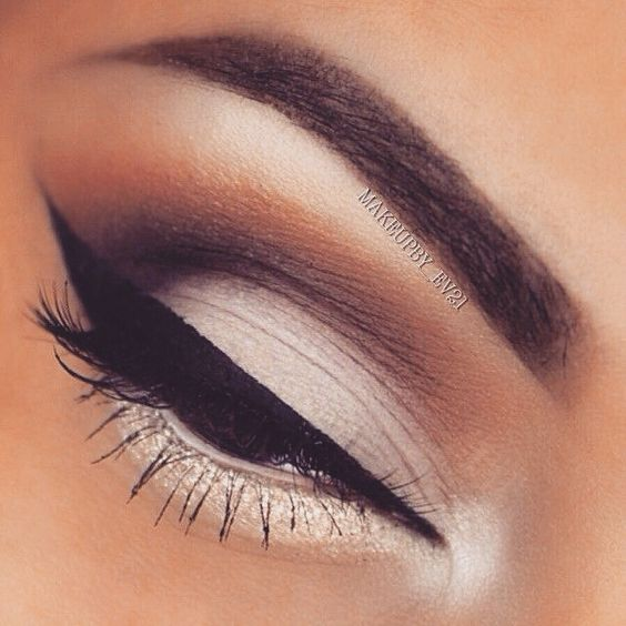 Lower lid eye shadow highlight/liner - beautifully feminine and soft contrast to the perfect upper lid liner. So alluring