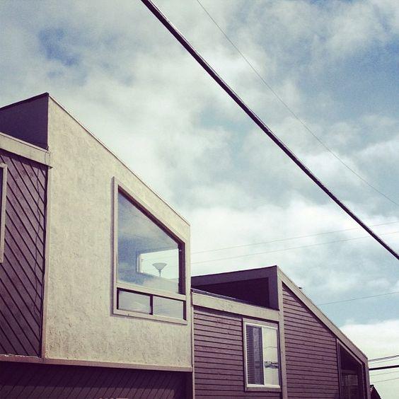 angled houses via @Jonathan Nafarrete Lo / happymundane on Instagram