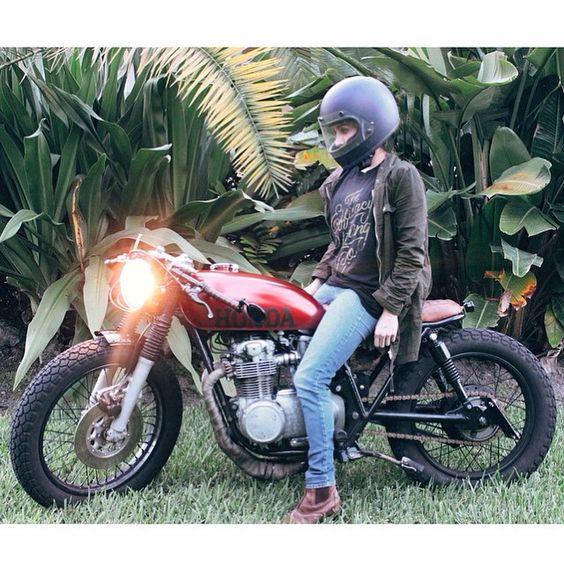 /// Honda CB550 cafe racer