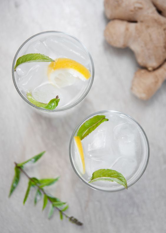 Simple lemonade with mint and ginger / Prosta lemoniada imbirowa z miętą