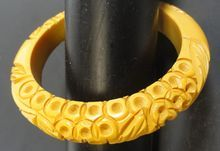 Bakelite Bangle w Circles & Leaf Carving
