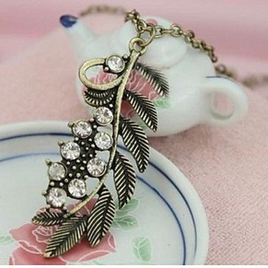 Women's Vintage Diamond Leaf Necklace – USD $ 5.99