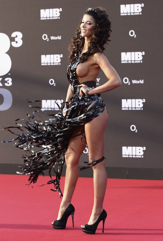 Micaela Schaefer is actually naked on the red carpet