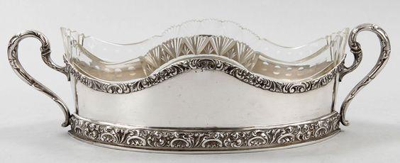 Jardinière800er Silber, Österreich/Ungarn, um 1900 Navetteform m. geschwungenen, beidseitigen Henk — Silber
