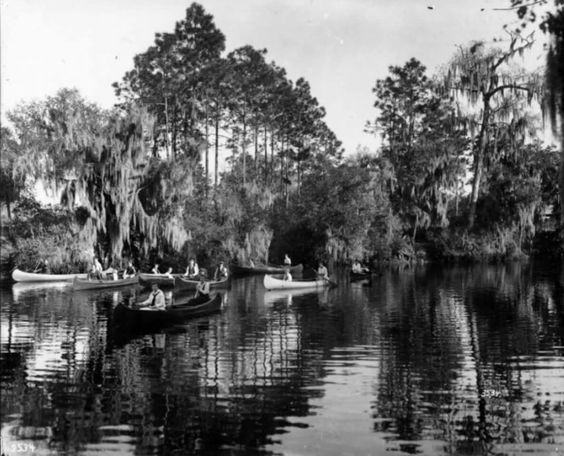 Canoeing on Hillsborough River just above Sulphur Springs. 1917.  Burgert Brothers Collection.