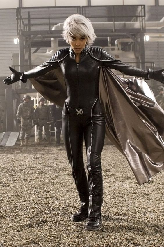 Pin for Later: 20 Options For Your Coolest X-Men Costume Ever Storm, Halle Berry Edition