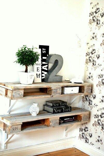regal aus paletten wohn t raum pinterest w nde palletten und selber machen. Black Bedroom Furniture Sets. Home Design Ideas