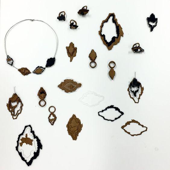 Line // Pinch // Ring #3ddesigner #3ddesign #msa #manchesterschoolofart #artschool #maps #contour #jewellerydesign #lasercutting #brief #happydays #nearlyfinished by cl0__