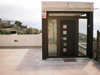 A high standing lift you won't find in many of the apartments in Sitges!
