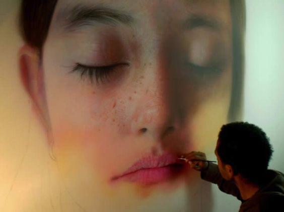 Hyperrealist painting by Kamalky Laureano
