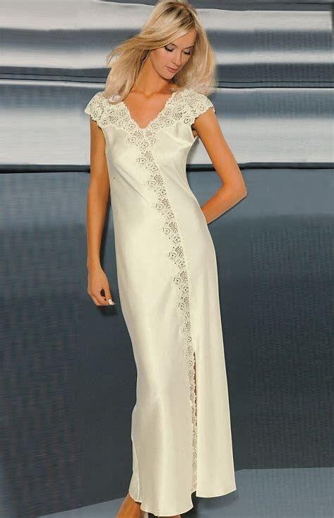 Afbeeldingsresultaten voor long nightgown satin
