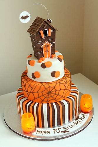 cakelove:    Halloween Cake