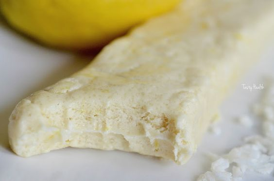 "Tasty Health: Hemgjord Coconut Lemon ""Questbar"""