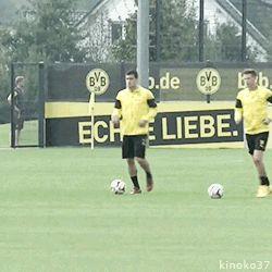 Erik Durm und Sokratis training mit Borussia Dortmund ☺ (part. 2) #erikdurm #durm #37 #bvb #welmeister #cute #sokratis
