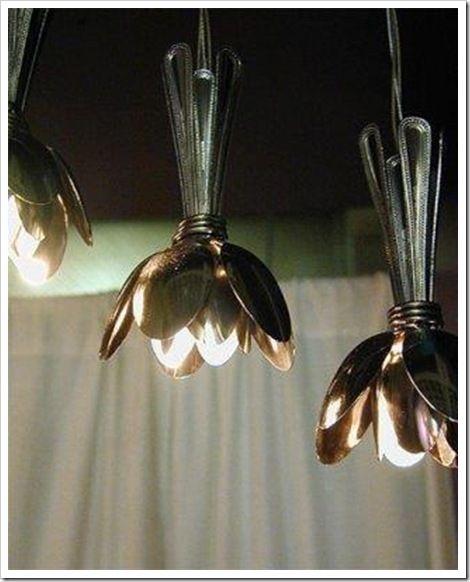 Essas luminárias feitas com colheres também não são super criativas?