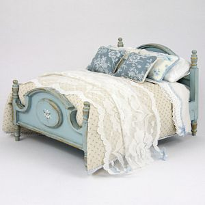 Dollshouse Style | British Miniatures Directory. Pretty 'shabby' bed.