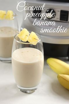 Smoothie banane, ananas, lait de coco
