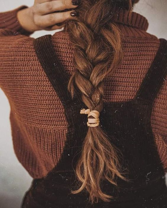 Discovered by souha_sousou. Find images and videos about hair, brunette and autumn on We Heart It - the app to get lost in what you love.