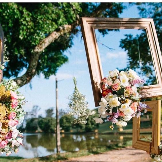 Molduras que encantam! 🌸🌷💞 Cerimônia da noivinha Denise  Fogo: @gustavogaiote  #noivinhapodearroz