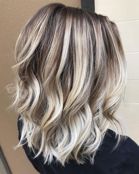 Layered, Wavy Lob Hairstyles for Women Thick Hair - Balayage Medium Haircuts