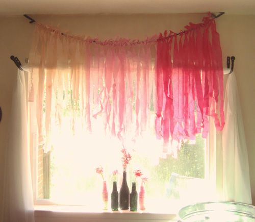 crepe paper curtain: Glitter Bottles, Diy Upcycling, Party Ideas Done, Kitchen Wallpaper, Hideous Kitchen, Curtain Ideas, Crepe Paper, Upcycling Ideas