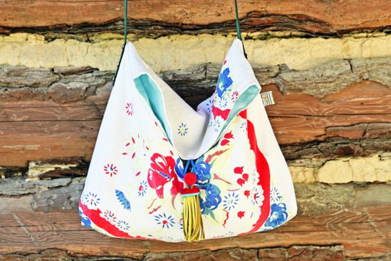 We Totes Rounded Up 40 Awesome DIY Totes! via Brit + Co. @Brit Morin #totes