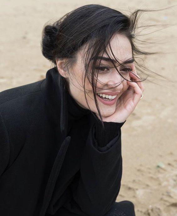 """بينكا على تويتر: """"الممثلة التركية """"إسراء بيلجين"""" بجلسة تصوير..… """""""