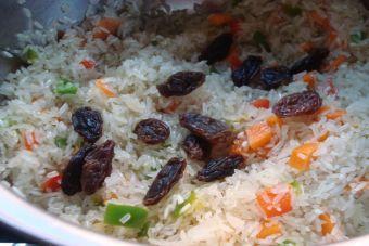 El arroz es un ingrediente que nunca puede faltar en la cocina. Versátil y fácil de preparar, es el acompañante ideal en cualquier plato. Para innovar en su preparación e incursionar en la cocina griega, te presentamos esta sencilla receta. La mezcla de sabores será toda una novedad. ...