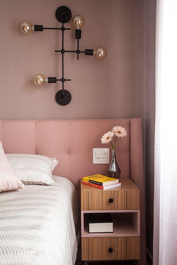 SUITE CASAL :Cabeceira cor de rosa seco. Rosa milenial . #rosa #corderosa #decoração #suite #arquitetura #architecture #inspiração #quarto #bedroom #bedroomdecor #bedroomdesign  #tendências