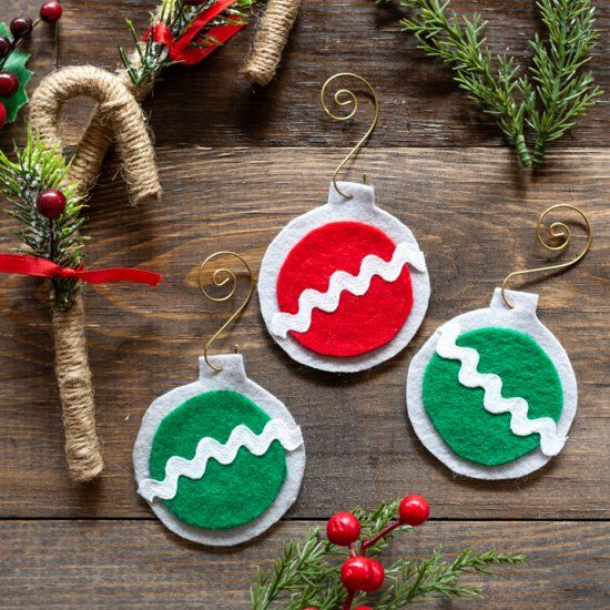 No Sew Felt Christmas Ornaments Felt Christmas Ornaments Sewn Christmas Ornaments Diy Felt Christmas Ornaments