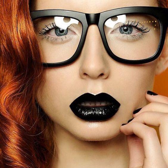 Black lips sink ships! #glitzapparel #styleinspo #makeup #makeupinspo #black #grunge #goth @glitzapparel