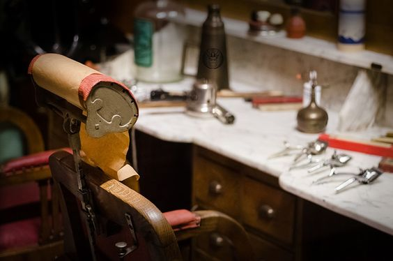 "Consulta mi proyecto @Behance: ""Vikingos barbershop""…"