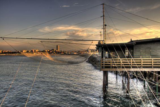 capanno da pesca sul molo di Rimini