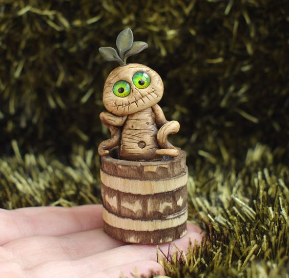 Hey, I found this really awesome Etsy listing at https://www.etsy.com/uk/listing/454653288/halloween-miniature-mandrake-root