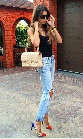 Ripped jeans  @eleonoramovs