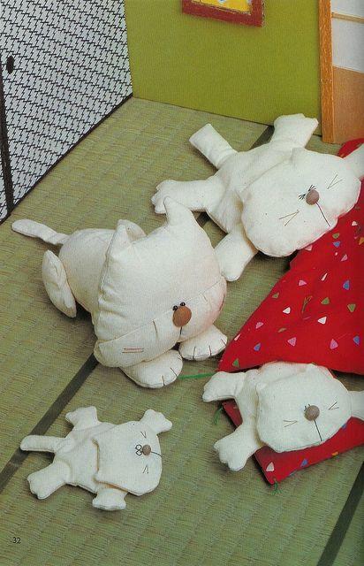 Gato deitado | Flickr – Compartilhamento de fotos!