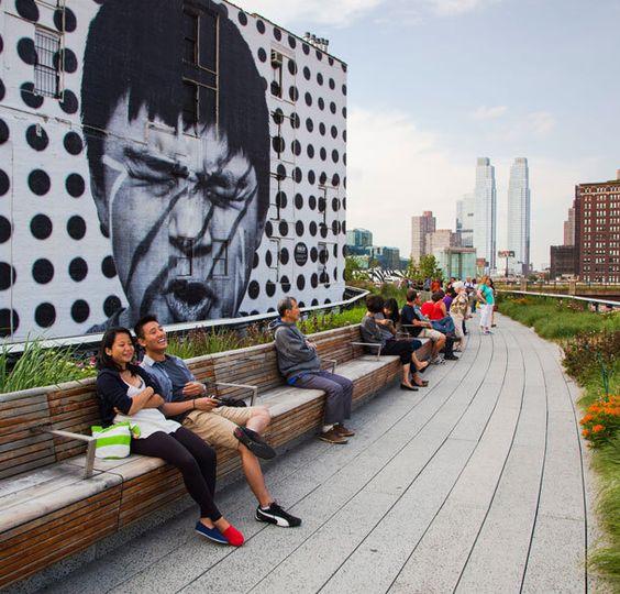 Der schönste Grünstreifen der Welt: Jetzt ist das letzte Teilstück der High Line in New York fertig. Eine Begehung: http://www.travelbook.de/welt/Guenstig-und-gruen-Die-coolste-Seighseeing-Tour-durch-New-York-537602.html