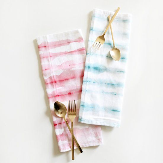 Perfect for July 4th or all summer, these hand painted cloth napkins are really easy to do and really unique!