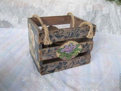 Купить или заказать короб корзинка ящик ' Цветочный аромат' в интернет-магазине на Ярмарке Мастеров. Тяжёленькая корзинка. Сделана в стиле декупаж., Можно хранить что угодно. .Хорошо впишеся в любой интерьер. Удачный подарок. Использованы экологически чистые материалы. Лёгкое состаривание.…