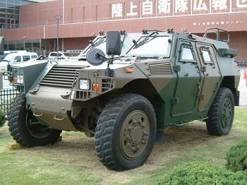 装甲車 イヴェコLMV 価格: とれ...