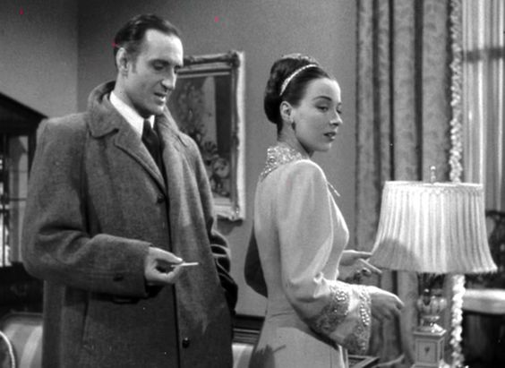 Dressed to Kill - Sherlock Holmes - Preludiu la crimă (1946) - Film - CineMagia.ro