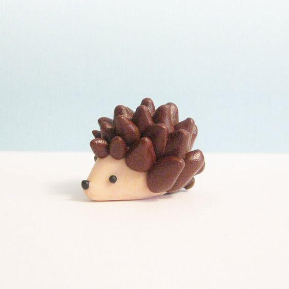 Argile Animal Figurine, Figurine hérisson, Polymer Clay animaux, Totem, Sculpture Miniature en argile, argile animaux Geekery de poche
